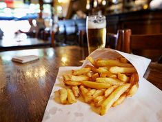 Belgian Fries : The best fried potatoes you could taste – Food and Travel Best Fried Potatoes, Taste Food, Fresh Potato, Food Tasting, Homemade Sauce, Mussels, Best Places To Eat, French Fries, Hamburger