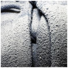Dust on my hoodie, artwork: Thierry Schulé