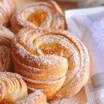 Papanași delicioși la cuptor - o rețeta ce va rămâne în istorie! - Bucatarul.tv Dessert Recipes, Desserts, Croissant, Bread Baking, No Bake Cake, Doughnut, Biscuits, Good Food, Food And Drink