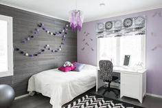 Helmiäisharmaa Usva-sisustuspaneeli viimeistelee tyylikkään teinin oman huoneen