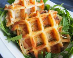 The salted waffles: a pleasant thought for a night meal, accompanied by . The salted waffles: a pleasant thought for a night meal, accompanied by a small salad. Easy Diner, Savory Waffles, Evening Meals, Crepes, Street Food, Food Inspiration, Love Food, Food And Drink, Yummy Food