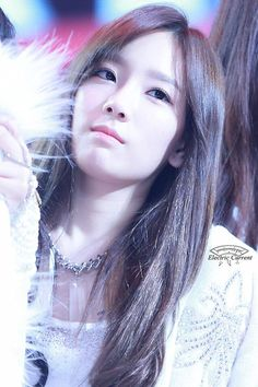 Taeyeon and her perfect jawline ♥♥♥♥