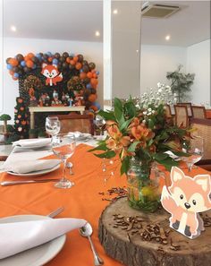 This orange and the flowers Boy Baby Shower Themes, Baby Shower Fall, Baby Shower Parties, Baby Boy Shower, Baby Shower Centerpieces, Baby Shower Decorations, Theme Bapteme, Forest Baby Showers, Fox Party