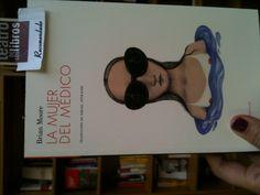 Lectura de fin de semana La mujer del médico; Contraseña editorial. Editorial, Sunglasses, Style, Reading, Libros, Women, Swag, Sunnies, Shades