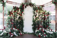 Tips For Planning The Perfect Wedding Day. Few brides and grooms found their wedding planning process to be stress-free. Wedding Ceremony Backdrop, Wedding Stage, Wedding Pins, Wedding Halls, Wedding Verses, Wedding Colors, Wedding Flowers, Perfect Wedding, Dream Wedding