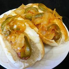 New York Pushcart Onions (For Hot Dogs) Recipe - Lunch Ideas Onion Sauce, Onion Relish, Hot Dog Sauce, Burger Dogs, Sammy, Hot Dog Recipes, Hot Pepper Sauce, Onion Recipes, Relish Recipes