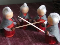 Cute idea for Roman soldiers.  The officers need red plumes on their helmets, though.