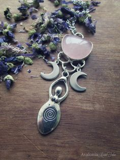 Rose Quartz Moon Goddess - Design by AvaloniaMoonTribe (9 Ottobre 2015)