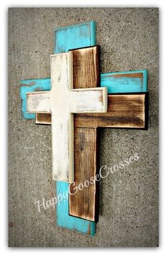 Wall Wood Cross - OFFSET - Medium - Antiqued Turquoise, Stain, and Beige Cruz Cruz de madera medio de la pared nueva OFFSET Diy Wood Projects, Woodworking Projects, Fine Woodworking, Popular Woodworking, Wood Pallet Crafts, Art Projects, Youtube Woodworking, Rustic Wood Crafts, Woodworking Chisels