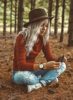 Top 10 Trending Boho Styles – Dirty Hippie Style Fall is creeping up in a week! I just set a Fall set for my store so here are my top 10 favorite boho looks for the coming season. Boho Fashion Fall, Trendy Fashion, Fashion Models, Fashion Outfits, Hippy Fashion, Country Fashion, Cheap Fashion, Fashion Styles, Fashion Women