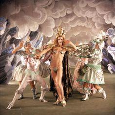 The Devils Dir: Ken Russell, DoP: Robert Cartwright Ken Russell, Film Inspiration, Film Stills, Old Movies, Looks Cool, Costume Design, Art Inspo, Art Direction, Movies And Tv Shows