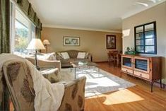 For sale: 261 Hampton Heath Road, Burlington, Ontario L7L4P4 - H4066958 | REALTOR.ca Spacious Living Room, Living Spaces, 4 Season Sunroom, Burlington Ontario, Realtor Logo, Floor Space, Finding A House, How To Level Ground, Game Room