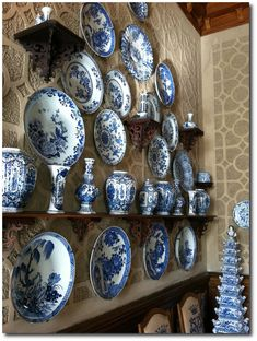 Castle-Wallenstein Blue and White  note the Tulip vase