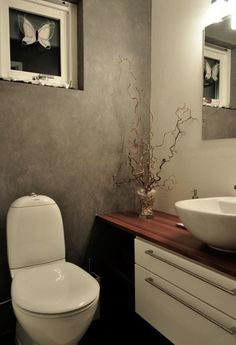 Bad Inspiration, Bathroom Inspiration, Tiny Powder Rooms, Small Bathroom, Bathrooms, Toilet, Indoor, House, Furniture