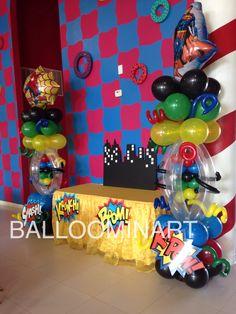 Super heroes balloon columns,