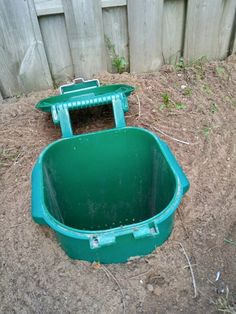 Dog Friendly Backyard, Dog Backyard, Dog Playground, Dog Toilet, Dog Potty, Dog Rooms, Septic Tank, Diy Holz, Dog Houses