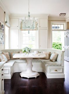 breakfast nook...one of my ultimate home must haves!