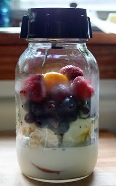 The bottom of your blender fits on a standard size mason jar- smoothie