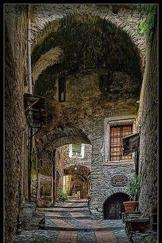 Dolceacqua, Medieval Village, Italy ( retirado da net ).
