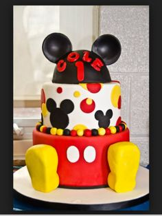 Omg I love Mickey Mouse cute