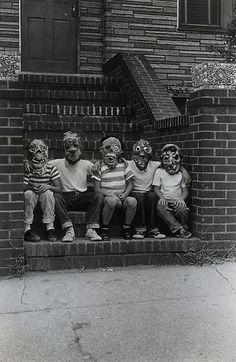 Diane Arbus, Vivian Maier, Martin Parr, Vintage Photography, Street Photography, Halloween Photography, Old Photos, Vintage Photos, Gropius Bau