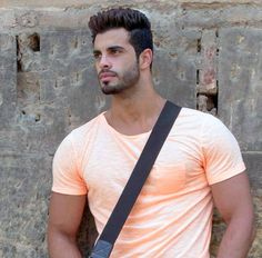 Sometimes Portuguese boys look like this Male Face, Male Body, Middle Eastern Men, Arab Men, Casual Wear For Men, Muscular Men, Hair And Beard Styles, Hair Styles, Bearded Men
