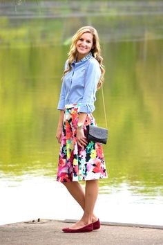 Our favorite part of Spring definitely has to be the variety of bright colors we can wear! Thats no doubt with this beautiful Living in Watercolor skirt!
