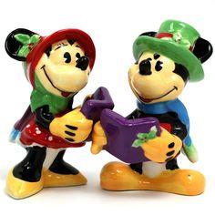 Mickey & Minnie Caroling - Salt & Pepper Shakers
