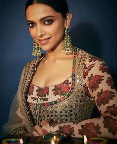 Dress Indian Style, Indian Dresses, Indian Wear, Indian Outfits, Bollywood Designer Sarees, Bollywood Fashion, New Saree Blouse Designs, Rajasthani Dress, Deepika Padukone Style