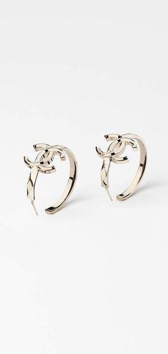 21e0da01cd2e 30 Best Chanel Stud Earrings images