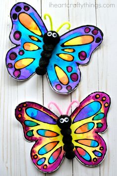 Preschool This watercolor and black glue butterfly craft makes a beautiful spring kids craft, art project for kids, butterfly craft for kids and insect craft. Spring Art Projects, Toddler Art Projects, Spring Crafts For Kids, Easy Art Projects, Crafts For Boys, Projects For Kids, Crafts To Make, Art For Kids, Arts And Crafts