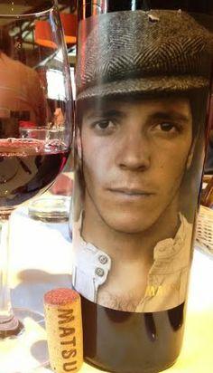 Matsu El Pícaro 2014 - DO Toro - Bodega Matsu - Vino tinto joven, la fermentación se llevó a cabo en pequeños depósitos de hormigón y la fermentación maloláctica se desarrolla en barricas de roble francés - 100% Tinta de Toro - 14%