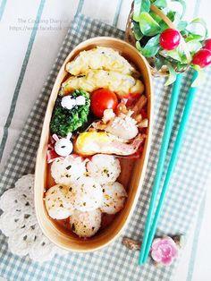 Flower rice ball