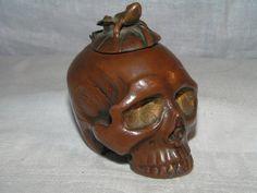 Skull inkwell