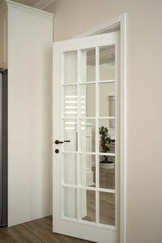 Uși de lemn masiv albe, pentru o casă superbă - Usi din lemn masiv la comandă în Bacău Modern Luxury Bedroom, Luxurious Bedrooms, House Doors, Glass Design, Glass Door, French Doors, Tall Cabinet Storage, Shelves, Living Room