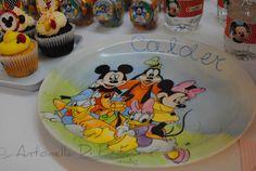 Playhouse disney. Vajilla Plato . Mickey y sus amigos http://antonelladipietro.com.ar/blog/2012/07/cumple-de-calder-hijo-de-jimena-cyrulnik/