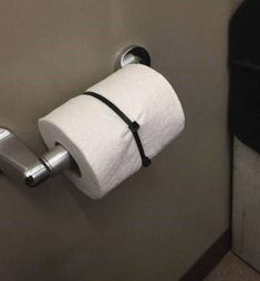 good pranks These 29 Coworker Pranks Will Make You The Jim Halpert Of Your Office Easy April Fools Pranks, Best April Fools, Easy Pranks, Good Pranks, Kids Pranks, Jokes Kids, April Fools Day Meme, Good April Fools Jokes, Awesome Pranks