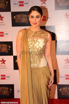 Kareena Kapoor at Big Star Entertainment Awards 2013 #saree #sari #blouse #indian #outfit  #shaadi #bridal #fashion #style #desi #designer #wedding #gorgeous #beautiful
