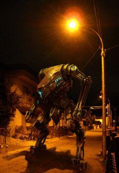a mecha in my street!- by XRobinGoodFellowX.deviantart.com