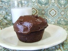 Chocolate Cupcakes With Chocolate Frosting {Grain/Dairy/Refined Sugar/Gum Free}