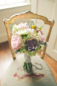 soft with succulents Linden Place, Purple Succulents, Wedding Flowers, Beautiful Pictures, Wedding Inspiration, Bouquet, Outdoors, Bows, Table Decorations