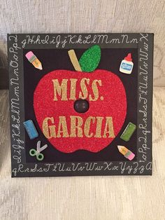 Graduation cap for education majors - Graduation pictures,high school Graduation,Graduation party ideas,Graduation balloons Teacher Graduation Cap, Graduation Cap Designs, Graduation Cap Decoration, Grad Cap, College Graduation, Graduation Outfits, Graduation Cards, Education Major, Teacher Education