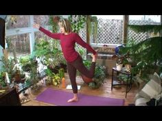 Yoga for Beginners - Episode 117 with Dr Melissa West. Love her yoga vids!