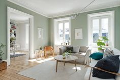 A graceful Gothenburg apartment for sale via broke. - - A graceful Gothenburg apartment for sale via broke. Sage Living Room, Home Design Living Room, Living Room Colors, Home And Living, Living Room Decor, Exterior Paint Colors For House, Paint Colors For Home, Home Wall Colour, Light Green Walls