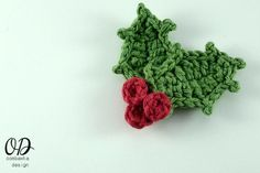 This post includes a free Christmas Holly Crochet Pattern and Photo Tutorial. I had a request for a quick photo tutorial to help with the Holly Leaves used in my Festive Cup Cozy Pattern. Christmas Crochet Patterns, Holiday Crochet, Crochet Flower Patterns, Crochet Gifts, Crochet Flowers, Crochet Snowman, Crochet Brooch, Crochet Motif, Crochet Coffee Cozy