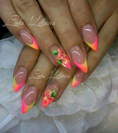 Neon nails by Lenka Kollarova
