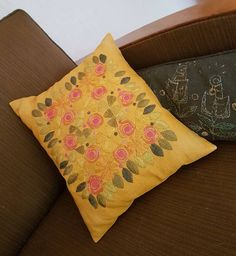 Swedish Embroidery, Needlework, Floral Design, Throw Pillows, Retro, Colorful, Instagram, Embroidery, Dressmaking