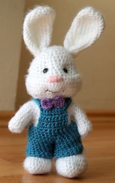 Mesmerizing Crochet an Amigurumi Rabbit Ideas. Lovely Crochet an Amigurumi Rabbit Ideas. Crochet Bunny Pattern, Crochet Patterns Amigurumi, Amigurumi Doll, Crochet Dolls, Easter Crochet, Cute Crochet, Crochet Baby, Stuffed Animal Patterns, Cute Bunny