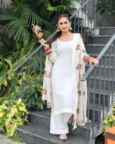 Cute Quotes For Girls In Punjabi Punjabi Suits Designer Boutique, Indian Designer Outfits, Patiala Salwar, Shalwar Kameez, Salwar Suits, Suit Fashion, Fashion Dresses, Cute Quotes For Girls, Punjabi Models