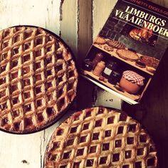 Een traditioneel recept voor de lekkerste Limburgse kersenvlaai. Echte Limburgse vlaai is een begrip. Vers en zelfgemaakt, het lekkerste dat er is.